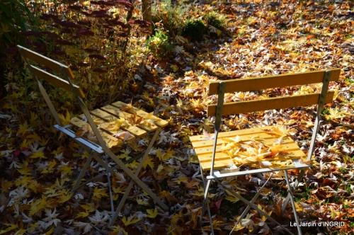 jardin, feuilles,sauges,gloriette,land art 040.JPG