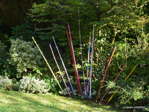 la Couze,les filles,jardin,bambous peints 086.JPG