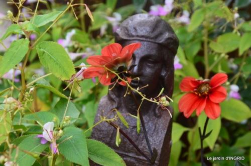 Cadouin,Lalinde chapelle,cascade,jardin,papillon 038.JPG
