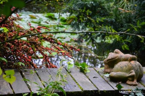 jardin pluie,chateau Losse 038.JPG