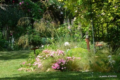jardin fin mai,les filles 075-001.JPG