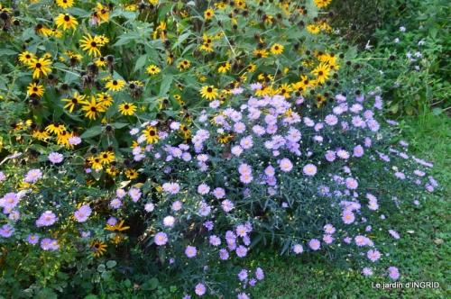 male ancienne,septembre jardin,couronne,bouquet 098.JPG