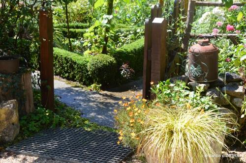 taille,jardin,bouquets,salon du livre,Ines,piscine,filles 003.jpg