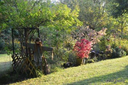 male ancienne,septembre jardin,couronne,bouquet 093.JPG