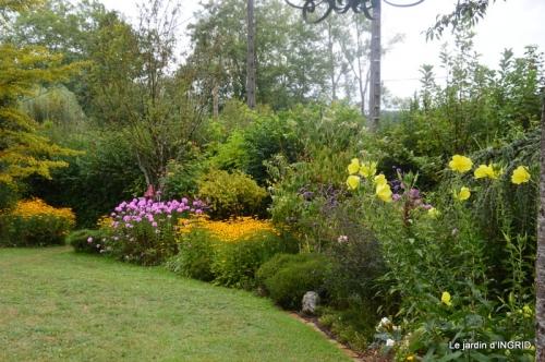 couronne,canal,bouquet,bassin,Dordogne,mirabelles 002.JPG
