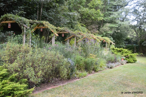 Meyrals,le Bugue,jardin 136.JPG