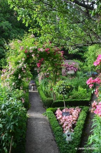 potager,chenille,pour le 18 juin,tour du jardin 082.JPG