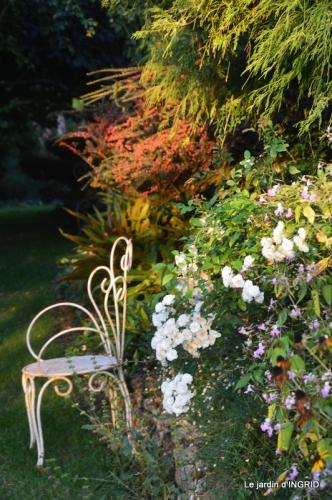 male ancienne,septembre jardin,couronne,bouquet 034.JPG