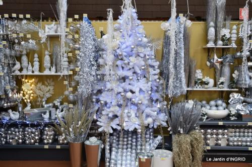 brume,dentelles,fleurs,Noel Jardiland 092.JPG