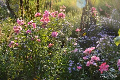 fleurs petit jardin,bouquets,grand jardin 086.JPG