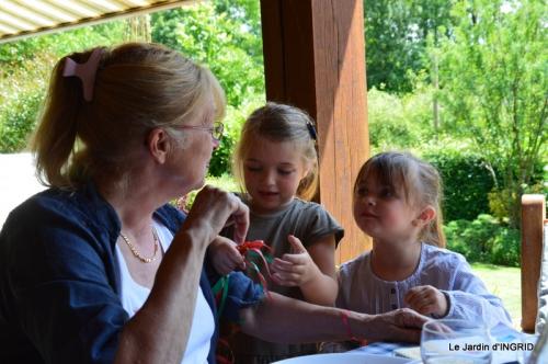roses,marguerites,MOI,fêtes des mères avec les enfants 124.JPG