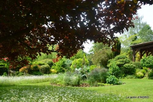 jardin en mai,visites bus,petit jardin 189.JPG