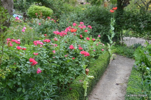mai au jardin,les filles 038.JPG