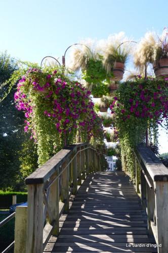 Lalinde passerelle,bouquet,jardin septembre 001-001.JPG