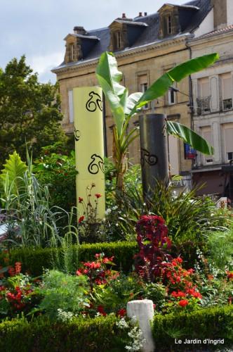 décos vélos Bergerac,Mne Peyrichou,tournesols,passerelle Lalinde 062.JPG