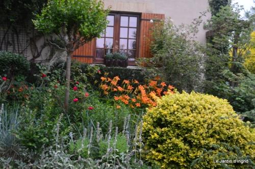 en juin jardin 091.JPG