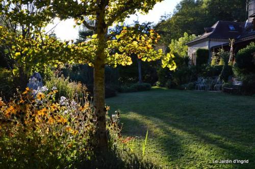 jardin début d'automne ,Sophie,rouge 016.JPG
