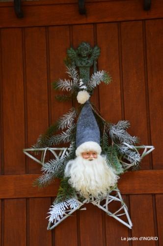 décos Noel au jardin,Sarlat,étoile en osier 200.JPG