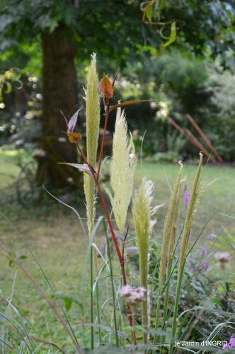 jardin,papillons,anniversaire d'Ines,bricolage 021.JPG