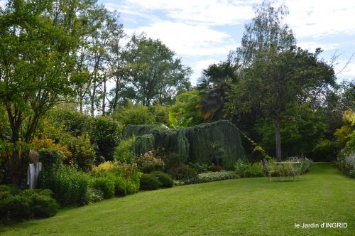 potager,chenille,pour le 18 juin,tour du jardin 052.JPG