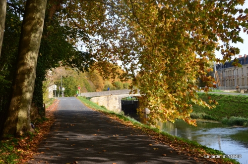 canal automne ,jardin,Ines 132.jpg