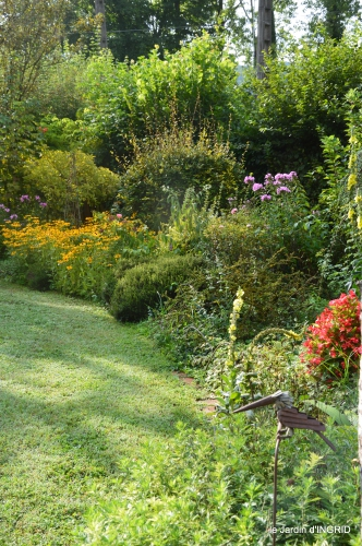 jardin,papillons,anniversaire d'Ines,bricolage 009.JPG