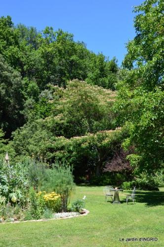 jardin juin,cabane,bouquet 030.JPG