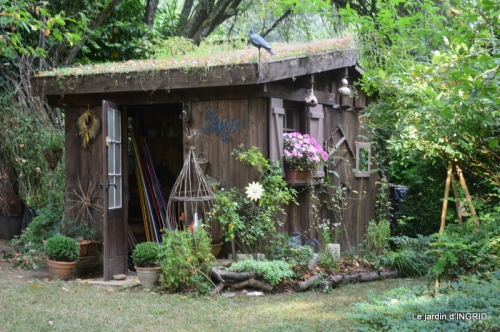 la Couze,les filles,jardin,bambous peints 073.JPG