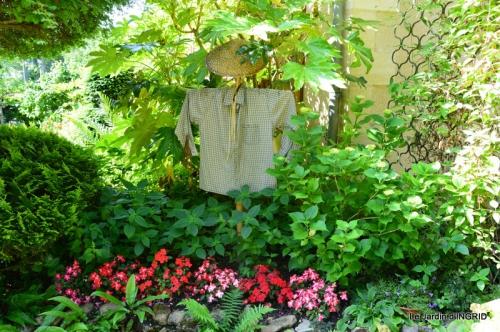 épouvantails ,jardin,roses 055.JPG