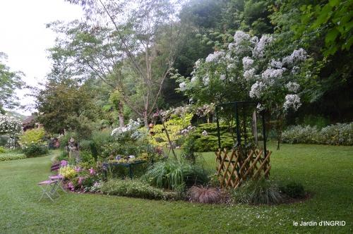 tour jardin de mai ,les épouvantails,préparation 056.JPG