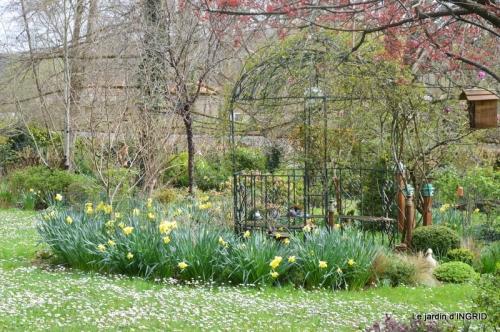 canal,jardin,dentelles 049.JPG