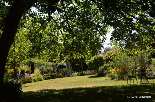 dahlias,jardin,puces st Avit Seigneur,Paniers Issigeac,Romane 021.JPG