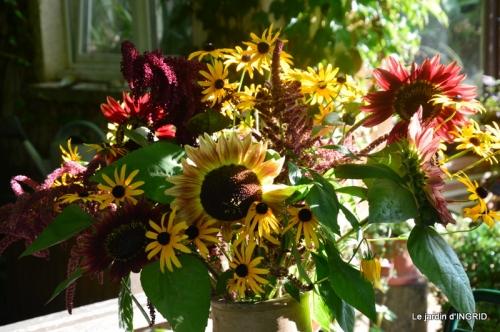 taille,jardin,bouquets,salon du livre,Ines,piscine,filles 024.JPG