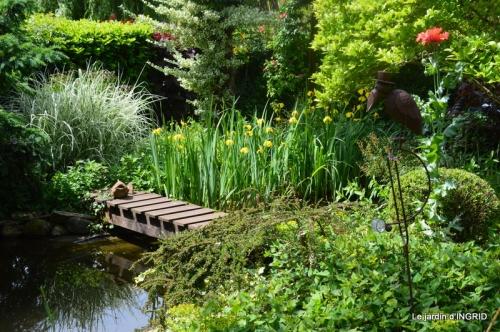 jardin en mai,visites bus,petit jardin 156.JPG