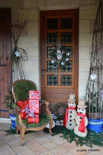 décos Noel au jardin,Sarlat,étoile en osier 183.JPG