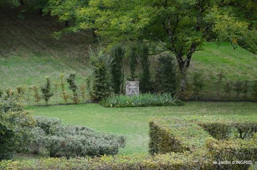 jardin pluie,chateau Losse 169.jpg