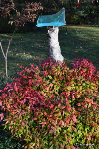 train,nid frelons,couleur jardin 031.JPG