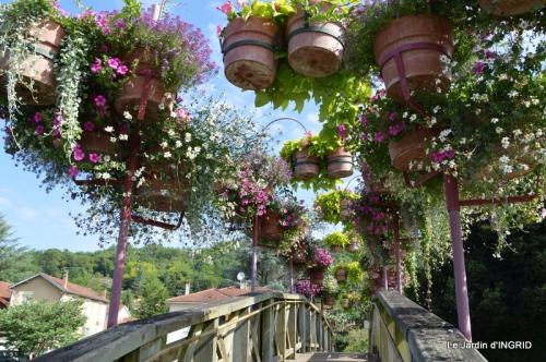 jardin,les filles,gerbera,Lalinde 139.JPG