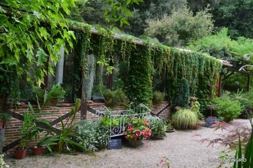 les Métallies,jardin ,visiteurs 094.JPG
