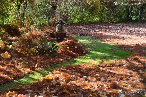 jardin, feuilles,sauges,gloriette,land art 052.JPG
