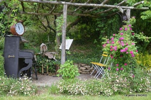 jardin en mai,visites bus,petit jardin 253.JPG